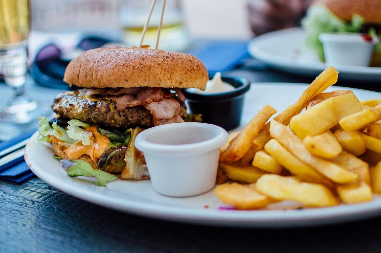 Jak jeść burgera