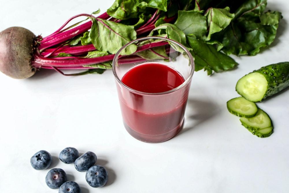 wiele soków z warzyw i owoców dieta sokowa